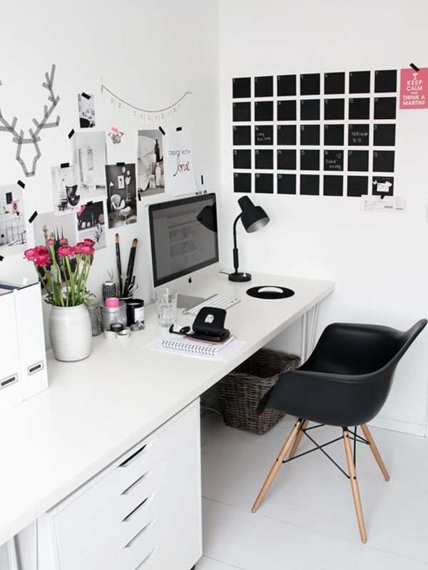 office-black-chair