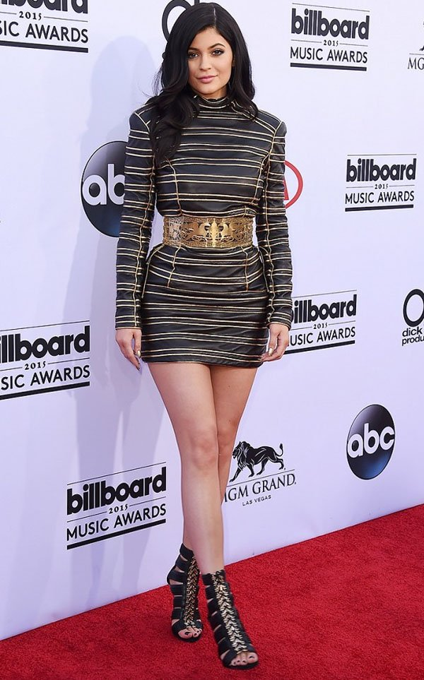 kylie-jenner-it-girl-billboard-music-awards-red-carpet-steal-the-look