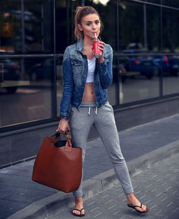 sweatpants-style-comfy-flats-denim-jacket
