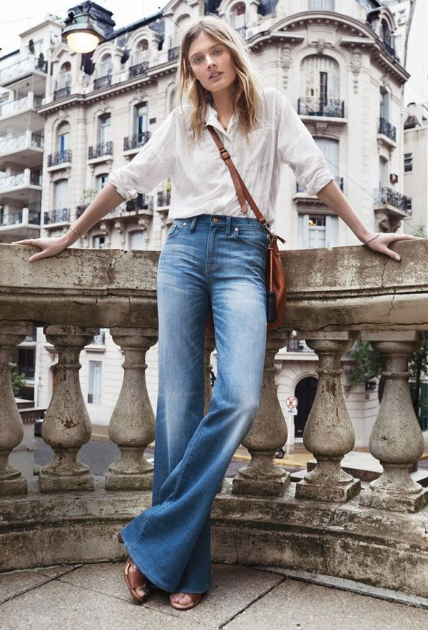 denim-flare-pants-street-style-blouse-cameo-bag-shoes
