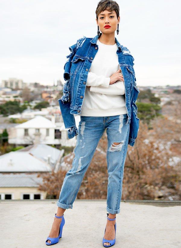jaqueta-jeans-calca-batom-vermelho-sapato-micah-gianelli