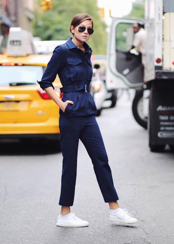 jumpsuit-navy-street-style-white-sneaker-it-girl
