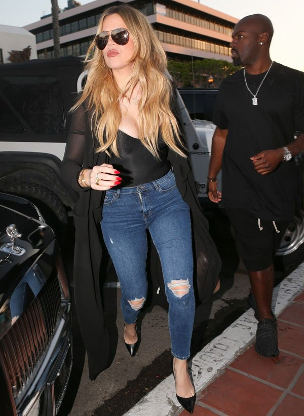 khloe-kardashian-street-style-skinny-jeans-body
