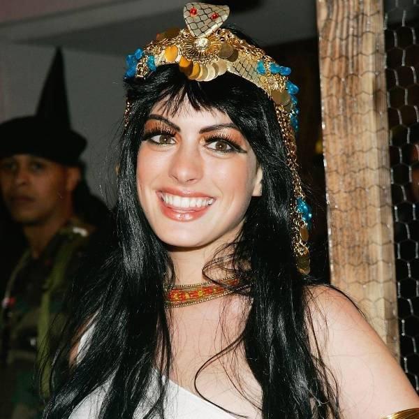 anne-hathaway-estilo-fantasia-halloween-cleopatra