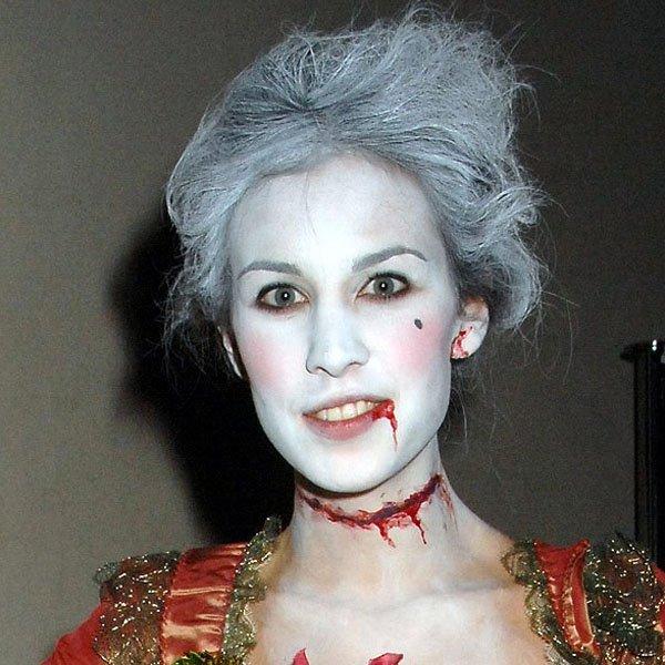 look-alexa-chung-halloween-vestido-vermelho-epoca
