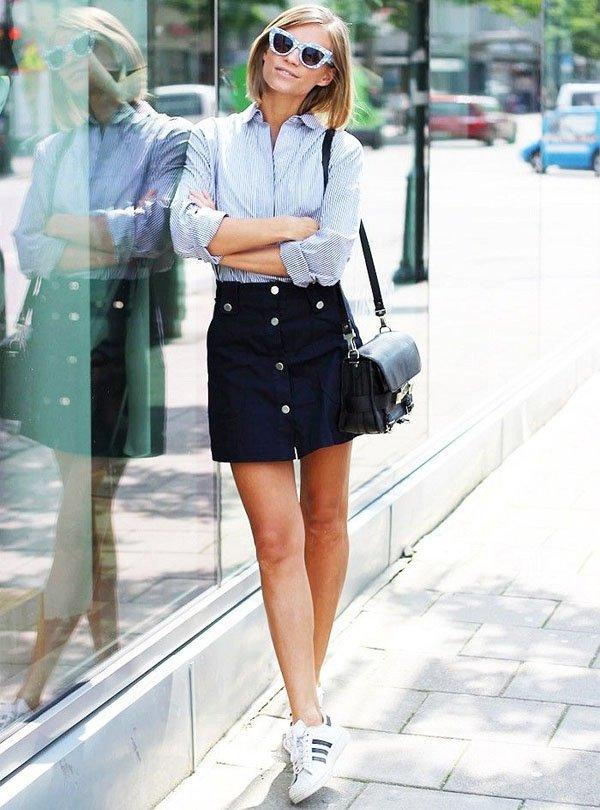 look-saia-botoes-camisa-listrada-azul