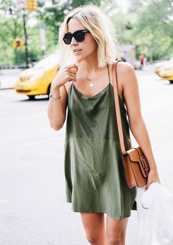 slip-dress-street-style-green-brown-bag