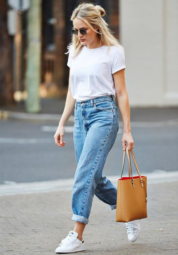 street-style-calca-jeans-baggy-tshirt-branca