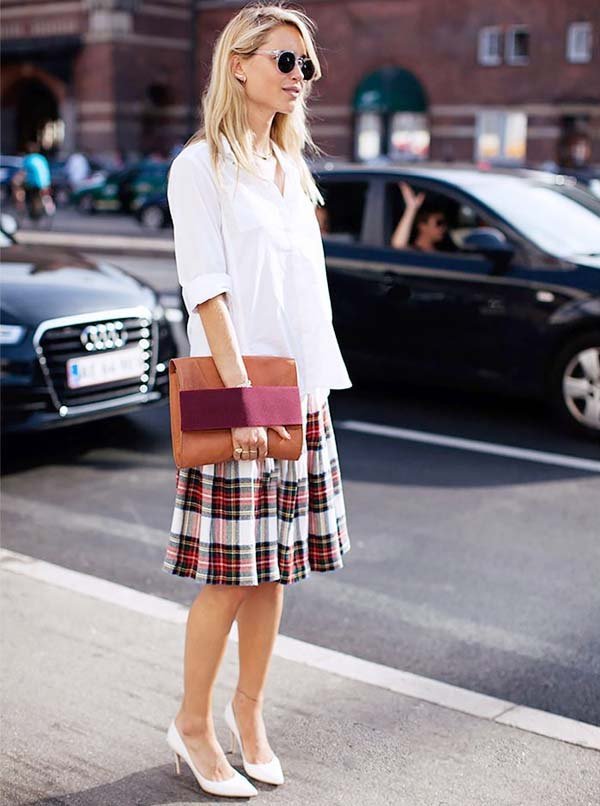 98f91c2f9a look street style scarpin branco camisa saia