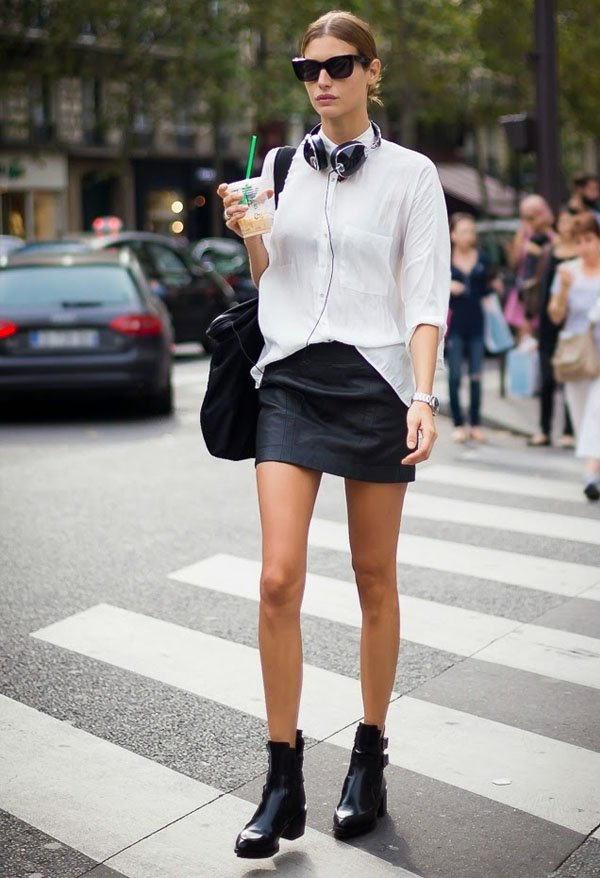 street-style-leather-skirt-white-t-shirt-boots-headphone
