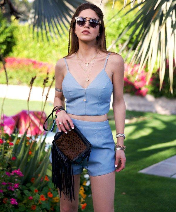 negin mirsalehi look cropped short azul street style