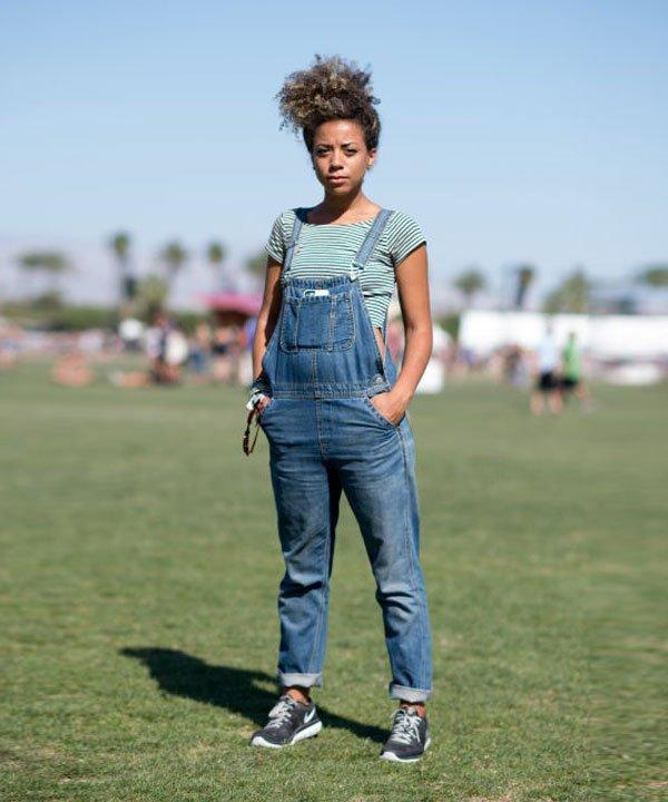 look festival jardineira jeans t-shirt listras