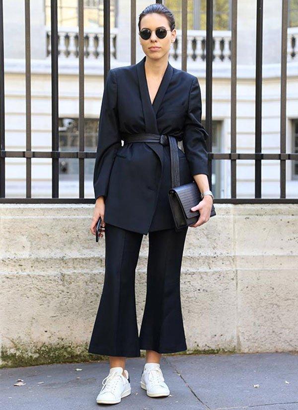 look total black culotte blazer street style