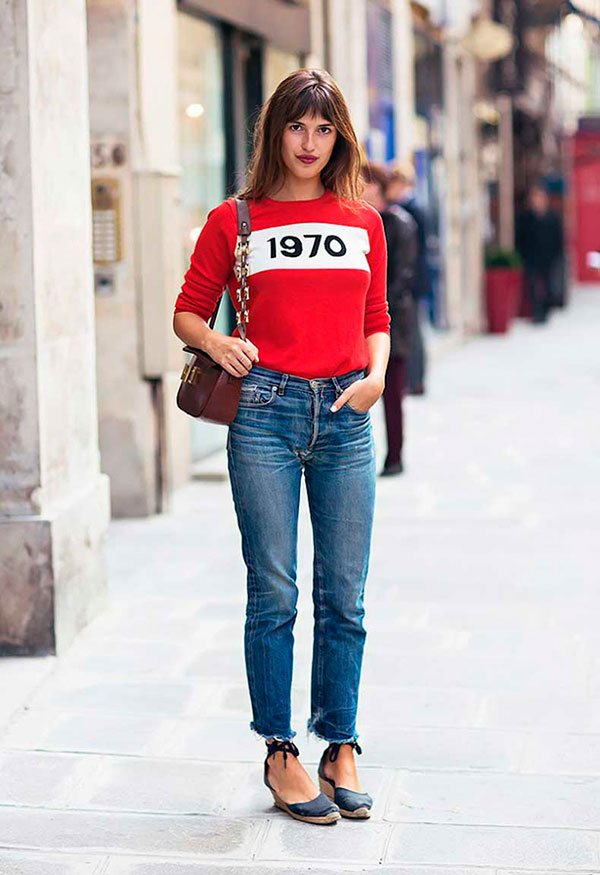 Jeans Reto com Cardigan Vintage