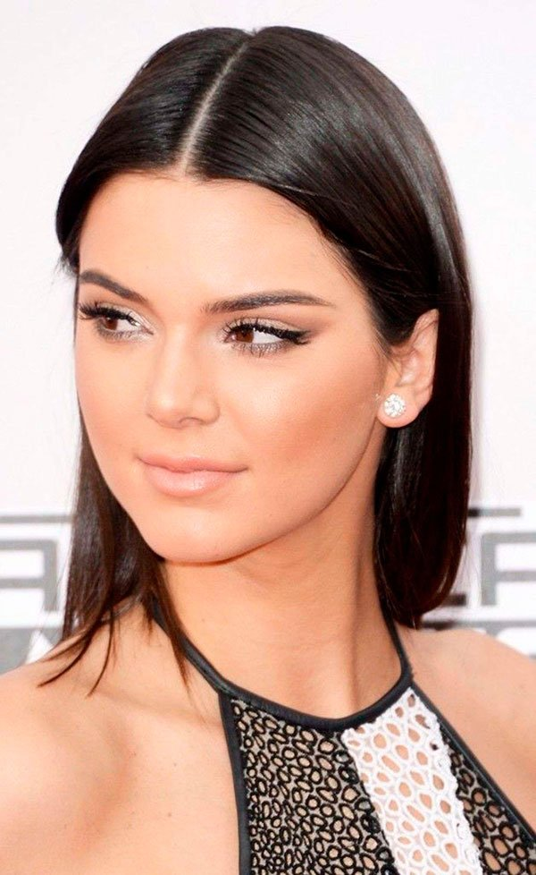 Kendall Jenner Cabelo Risca Central