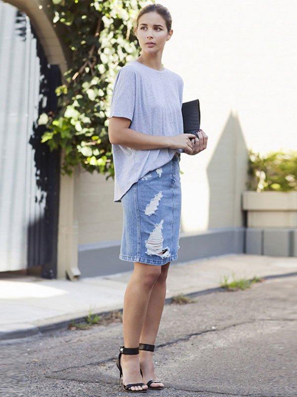 look denim pencil skirt t-shirt