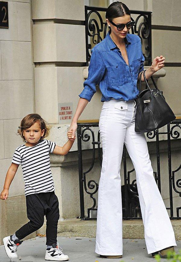 miranda kerr denim shirt white pants