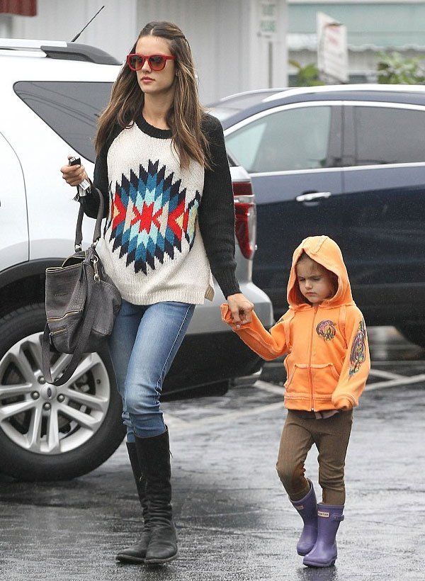 alessandra ambrosio and children street style