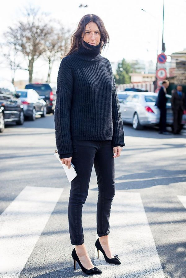blue turtleneck sweater street style