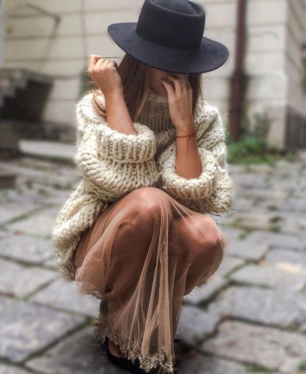 suéter pesado com saia fluida