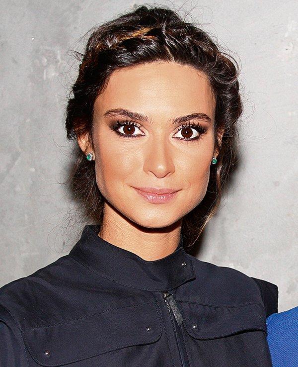 Para deixar os lábios bonitos, Thaila Ayala usa Carmex