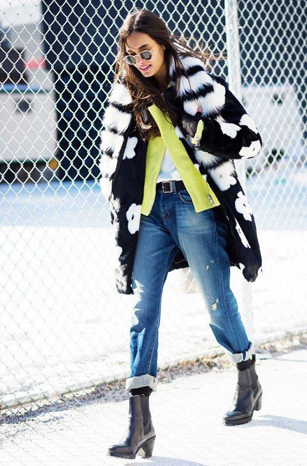 look jaqueta de couro e casaco de pelos