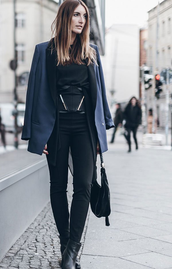 look all black casaco azul marinho
