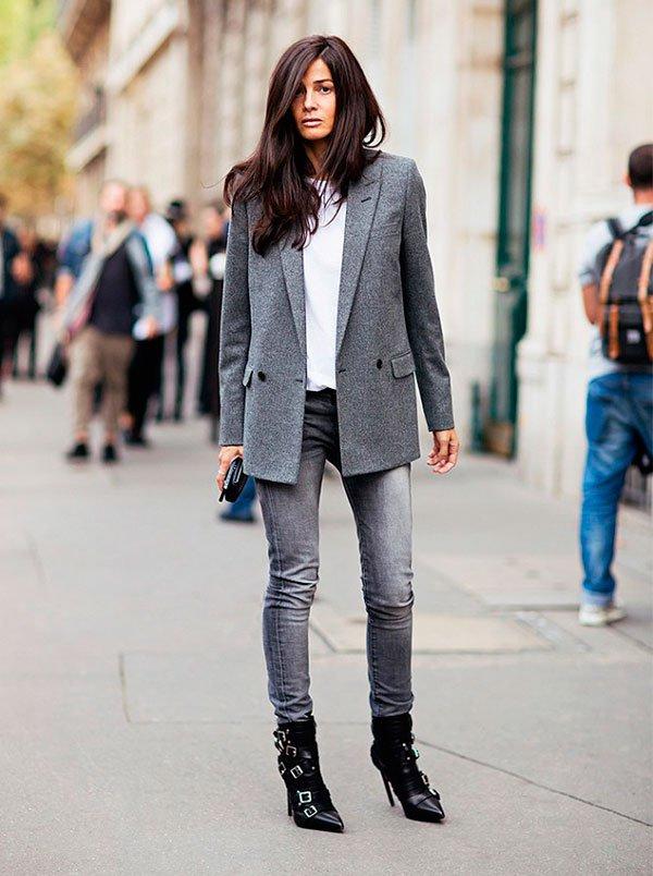 look blazer cinza e calça jeans escura