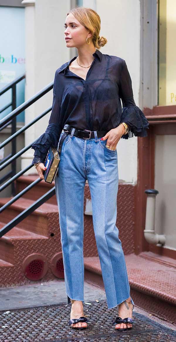 look camisa e calça jeans