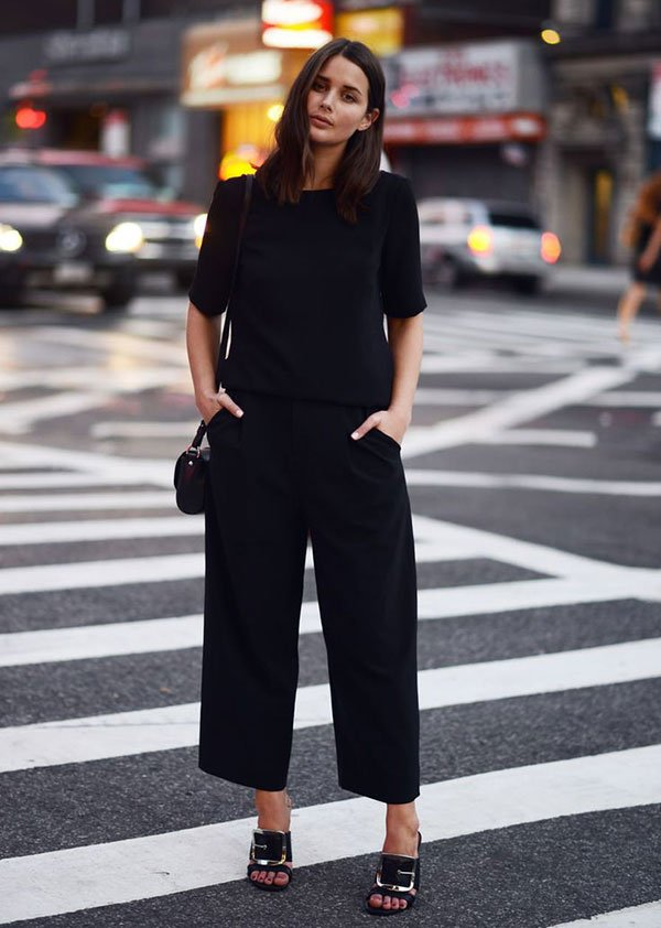 look all black com culottes