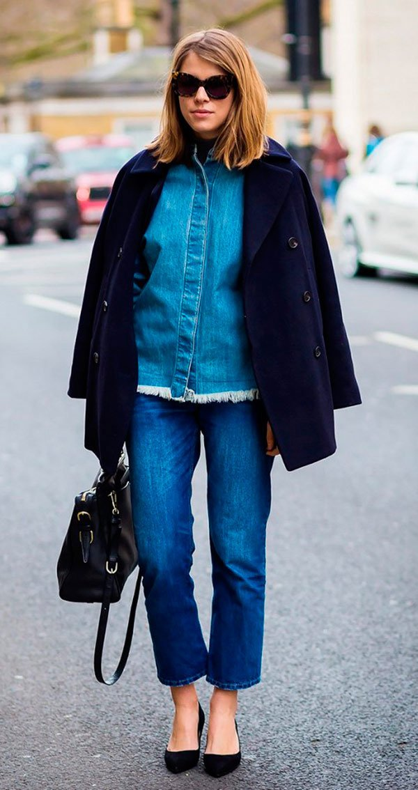 Street style look com total jeans.