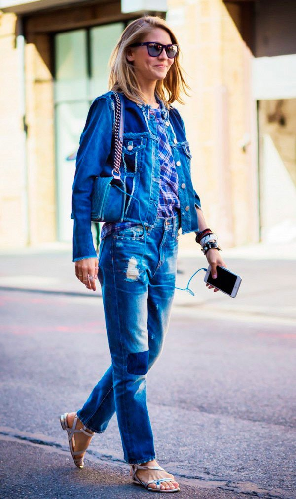 Street style look total jeans