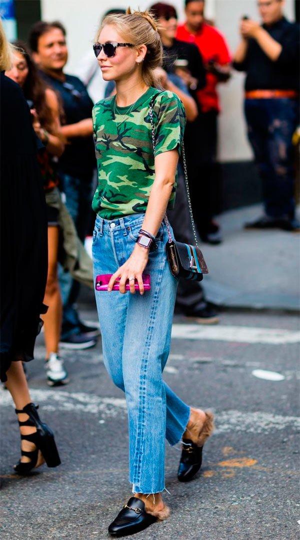 b373c29e5 Street style look com blusa camuflada.