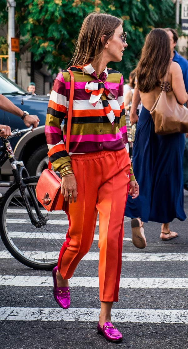 Street style look colorido.