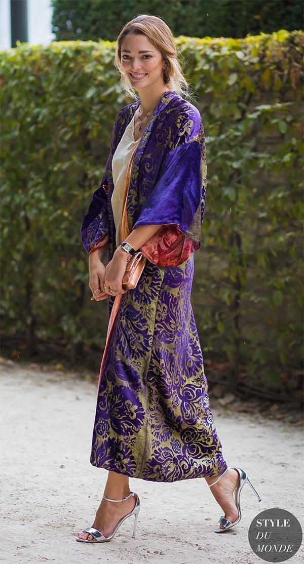 Street style look com Kimono.