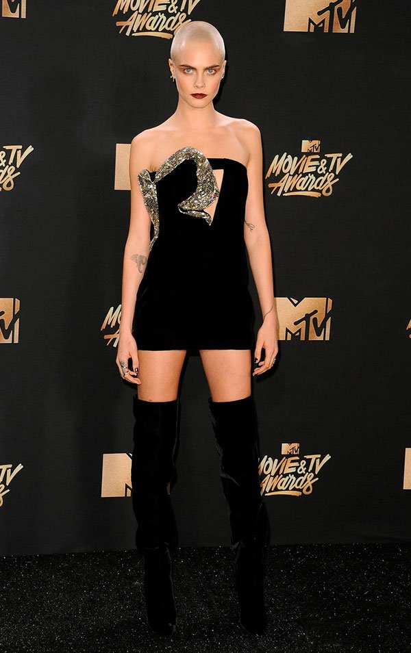 cara delevigne: Os melhores looks do MTV Movie Awards