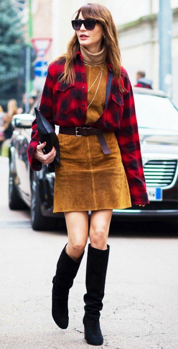 Street style look com camisa xadrez.