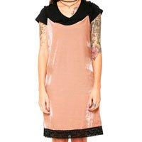 vestido veludo rosa