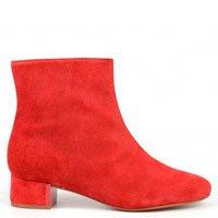 bota vermelha