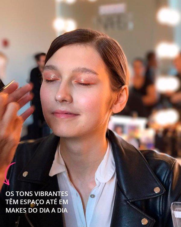 Como Adaptar A Maquiagem Dos Backstages Para O Dia A Dia