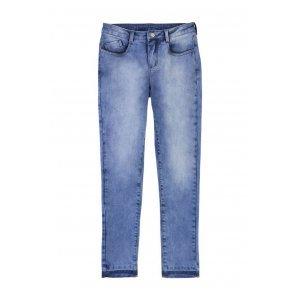 Calça Jeans Feminina Na Modelagem Skinny