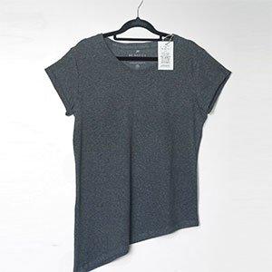 T-Shirt Assimétrica Grey