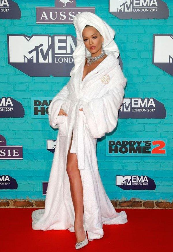 Rita Ora Veste Palomo Spain