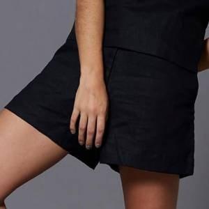 Short Linho Black Tamanho: P - Cor: Preto