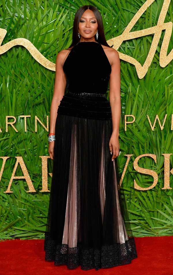 Naomi Campbell veste Azzedine Alaïa