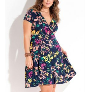 Vestido Transpassado Floral Plus Size Quintess