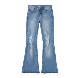 Calça Jeans Na Base Petit Flare Em Lavação Moderna