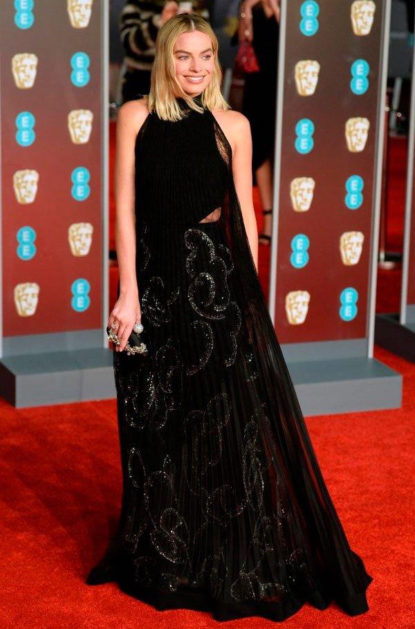 Margot Robbie veste Givenchy