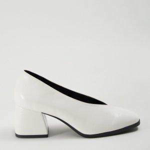 Sapato V Verniz Branco Tamanho: 33 - Cor: Branco