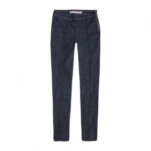 Calça Jeans Feminina De Algodão Na Modelagem Jegging